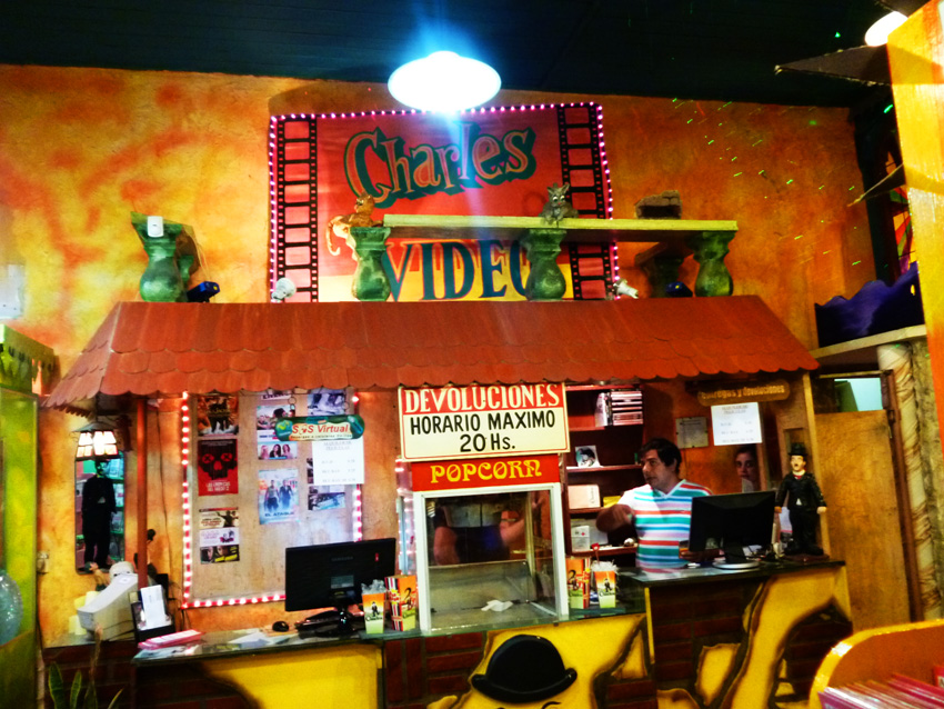 Video sex shop Charles Junín 3
